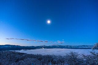 冬の夜。澄んだ月の光と雪と~平安文学に見られる冬の夜~《前編》