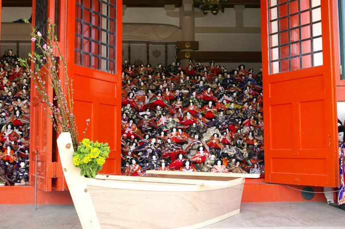 事八日に行われる針供養。その総本山である加太淡嶋神社は人形供養の神社でもあります