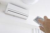 冬の部屋干しで洗濯物を速く確実に乾かすためのエアコン活用術