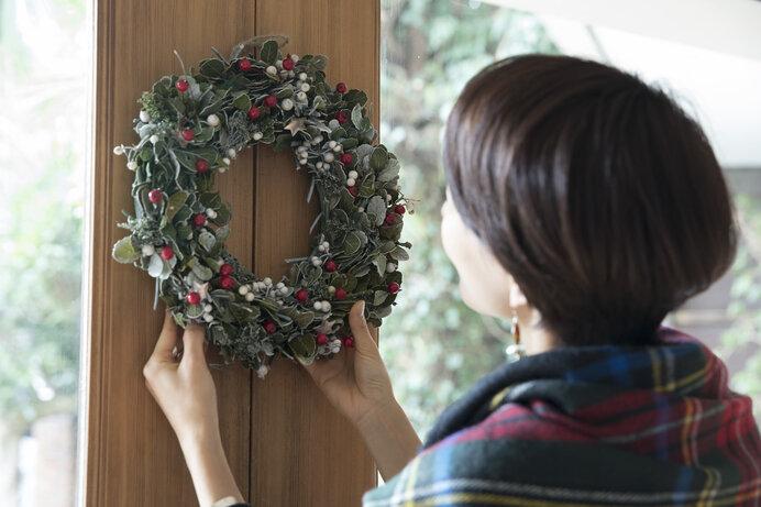 リースやしめ飾りは、家族を守り邪気を払う意味が