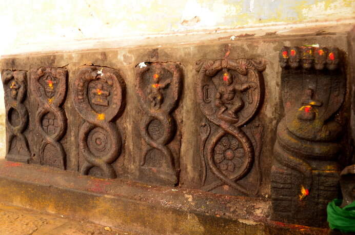 二本の縄(蛇)が綯われた意匠は世界中で生成のシンボルとしてあらわれます