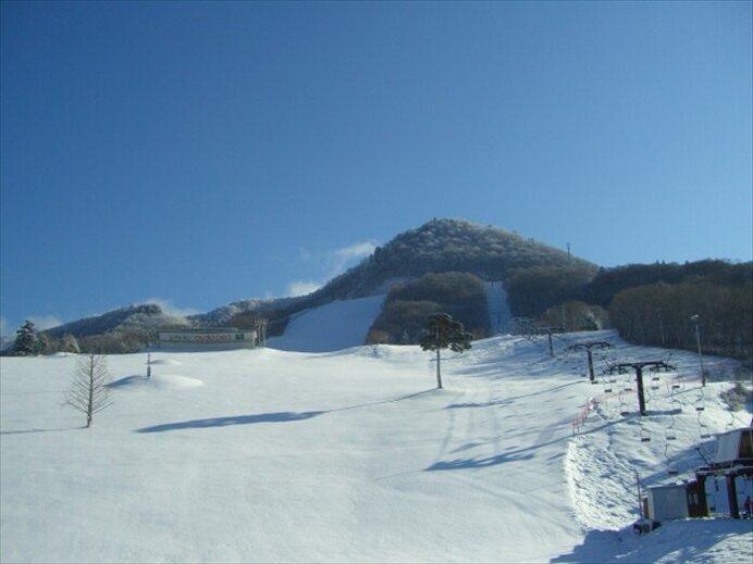 コブから緩斜面まで!充実したナイターも魅力のゲレンデ/米沢スキー場(山形県米沢市)