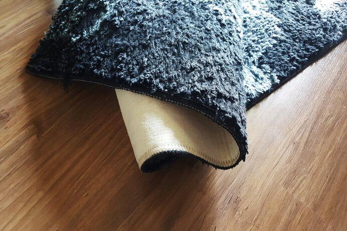 自宅で洗えないカーペットもある