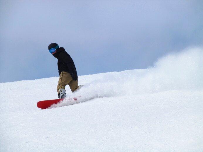 スノーボードの基本のスタイルは「フリーライディング」