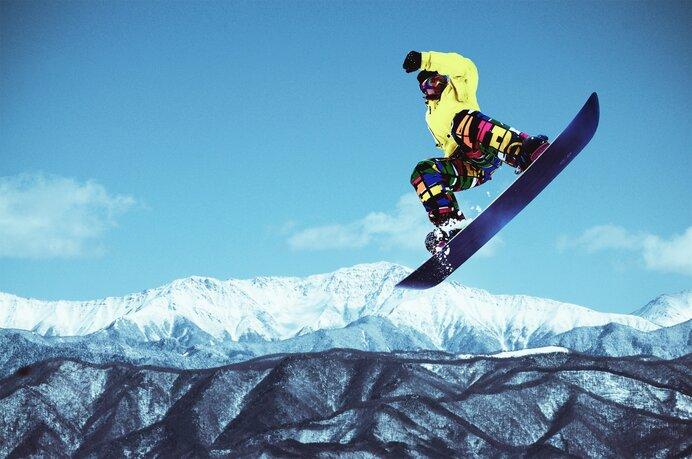 ジャンプ台やレールを使って様々な技を披露「パークスタイル」