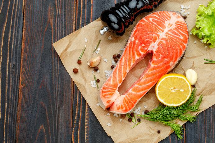 サーモンには活性酸素の発生を抑えると言われている抗酸化物質『アスタキサンチン』が豊富に含まれています。
