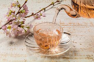 『桜スイーツ』で春の訪れを感じるティータイムを!おもてなしにも最適なレシピをご紹介