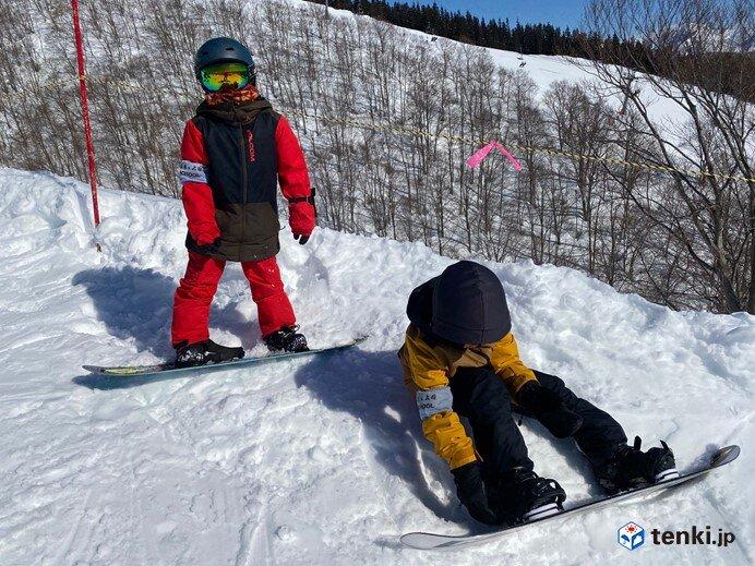 初めてのスノーボードは大人も子どももスクールに入るのがおススメ! インストラクターにインタビュー!