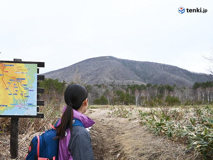 回避ルートの途中から見えた泉ヶ岳山頂