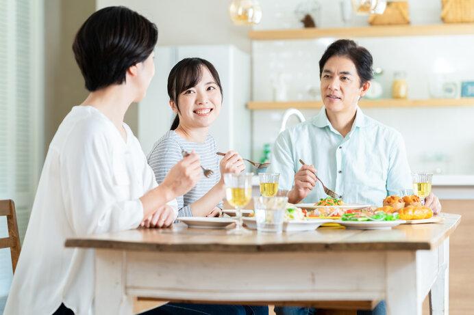 """食事の場は家族にとって最高の""""コミュニケーションツール""""。"""