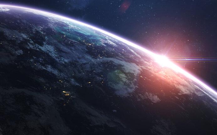ひと足お先に妄想で♪ 宇宙観光を計画しよう