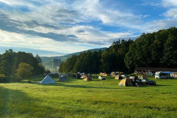 「ルスツ山はともだちキャンプ場」(北海道・留寿都村)壮大なリゾートキャンプを満喫