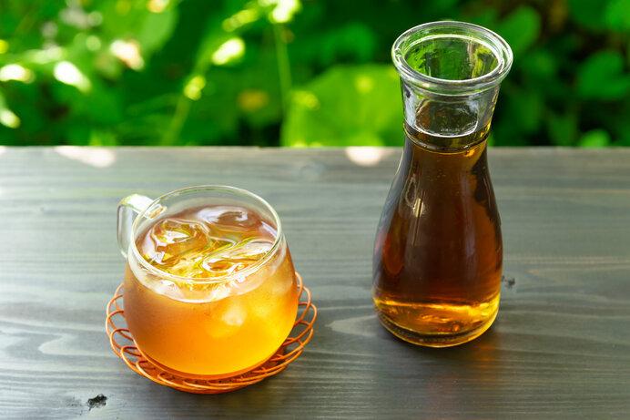 定番の「麦茶」に、塩と砂糖をプラスして熱中症対策!