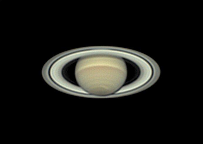 望遠鏡で捉えられた土星の環。中世の頃から付属天体の存在は知られていました