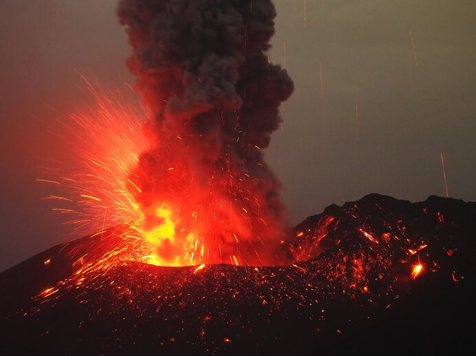 火山の大噴火が相次いだ江戸時代。謎の降毛が何度も観測されました