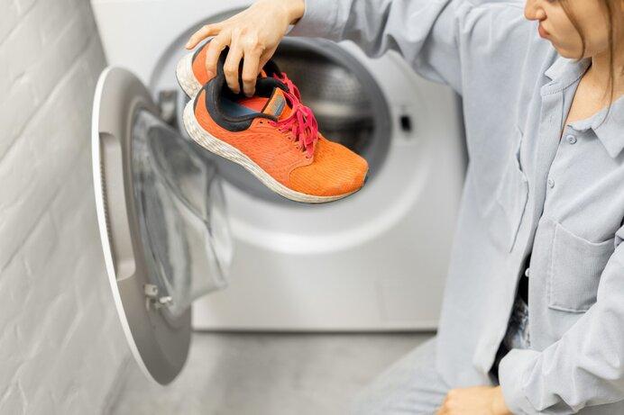 運動靴は洗濯機で洗える?洗える靴と洗えない靴の違い