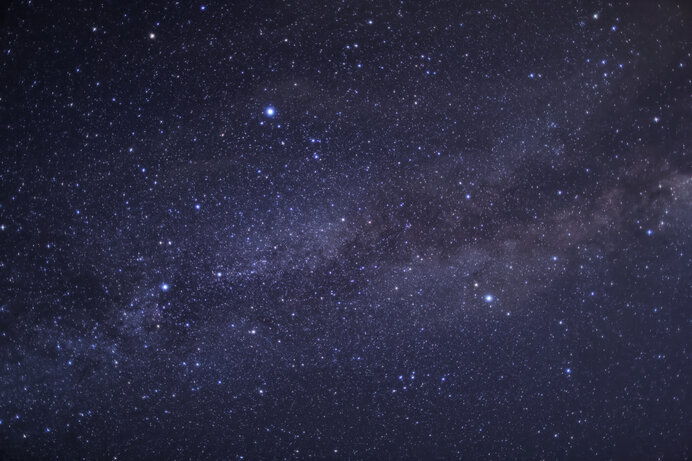 天の川に輝く夏の大三角(デネブ・アルタイル・ベガ)