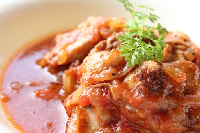 トマトの酸味ときのこ&お肉の旨味でご飯がモリモリ進む♪