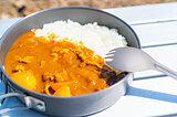 持ち運びが便利なアウトドア調理器具『クッカー』の選び方&おすすめキャンプレシピ