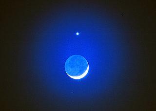 今宵22日は、三日月と金星が接近☆★ 天空の輝きにあなたは何を願いますか?