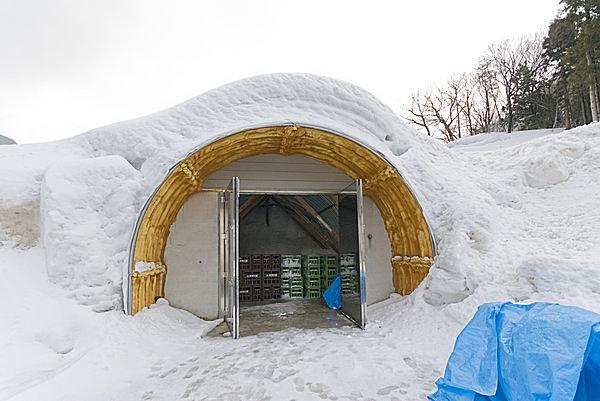 雪国ならではの知恵の宝庫。 天然の冷蔵庫「雪室」とは?
