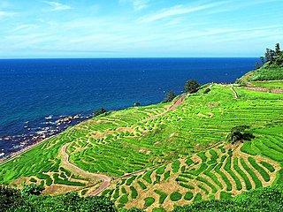 「能登はやさしや土までも」。NHK朝ドラ「まれ」にみる、厳しい自然が生んだ美しい能登の風景