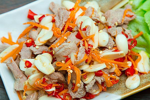 豚肉&ニンニクの組み合わせなら韓国料理も◎!