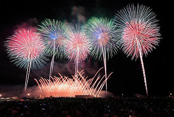 日本の打ち上げ花火は世界一!?  世界に誇る日本の花火師の技術