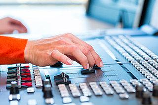 AM放送がFMで視聴可能に! TBSラジオ、文化放送、ニッポン放送のワイドFMが12月スタート!