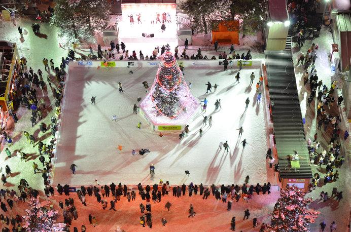 大通公園にスケートリンクが。