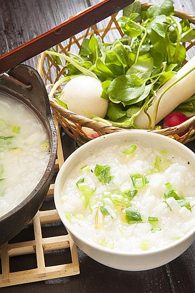 1月7日に食べる七草粥のルーツと、理にかなった効用を探る!