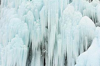 諏訪湖もほぼ全面氷結!厳しい寒さに氷が張りつめる頃…七十二候「水沢腹堅(さわみず こおりつめる)」
